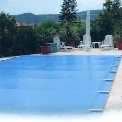 Comment entretenir sa piscine en hiver blog distripool - Piscine entretien hiver ...