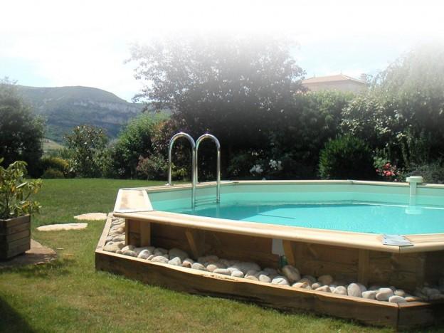 montage d une piscine en bois double structure pour terrasse de piscine en lambourdes bois. Black Bedroom Furniture Sets. Home Design Ideas