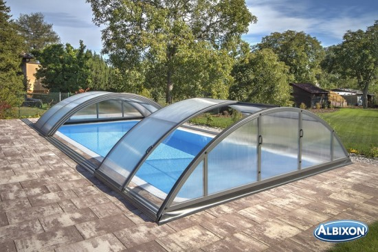 les avantages de l abri de piscine t lescopique blog distripool. Black Bedroom Furniture Sets. Home Design Ideas