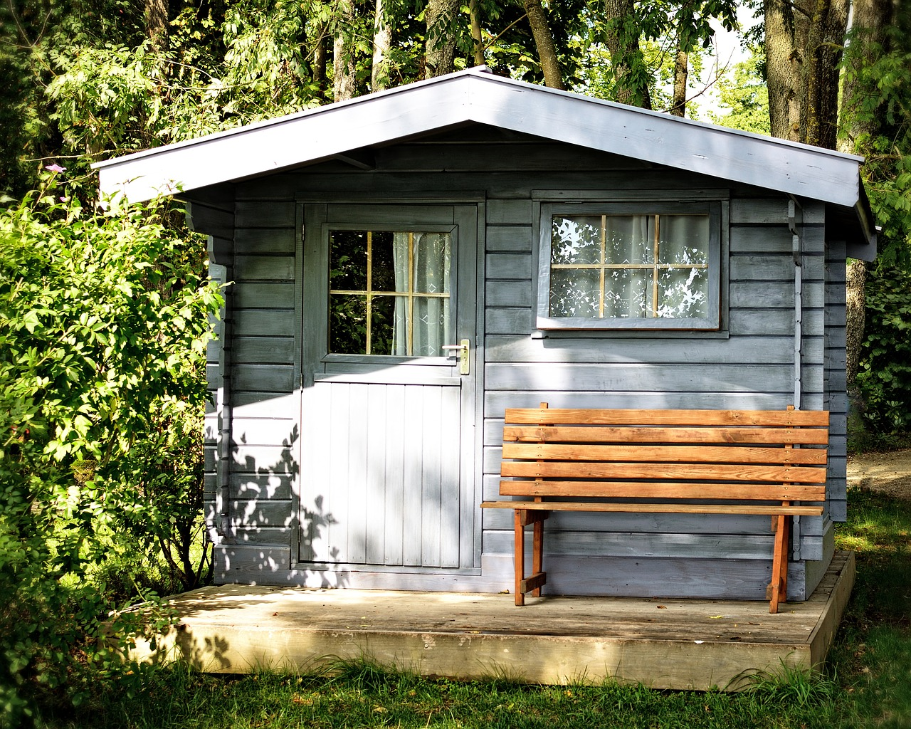 comment choisir son abri de jardin blog distripool. Black Bedroom Furniture Sets. Home Design Ideas