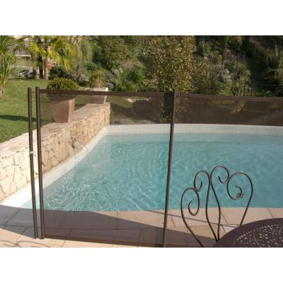 Cl ture piscine et barri re filet ou transparente for Barriere piscine beethoven prestige
