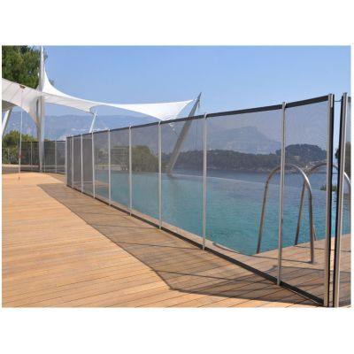 cl ture piscine et barri re filet ou transparente. Black Bedroom Furniture Sets. Home Design Ideas