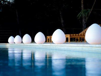 Lampe pour bassin de jardin seed indisponible for Lampe exterieur blanche