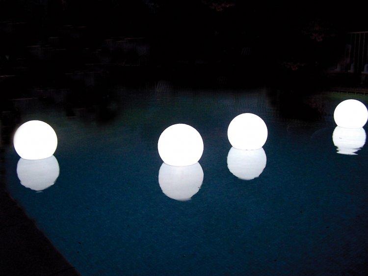 Clairage solaire pour bassin de jardin bassin de jardin for Eclairage bassin