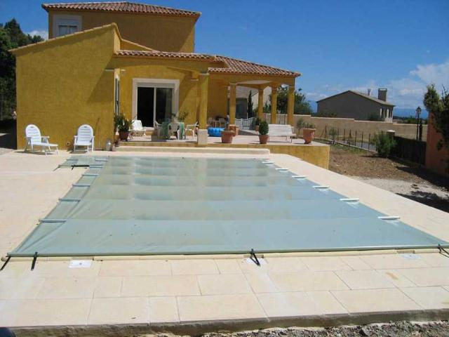 B che barres piscine aquaprotect sur mesure for Bache piscine