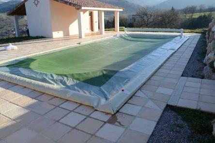 B che d 39 hiver piscine boudins d 39 eau for Bache filet hivernage piscine