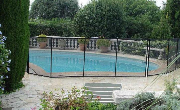 Cl ture piscine filet beethoven noir poteaux noirs for Cloture amovible piscine
