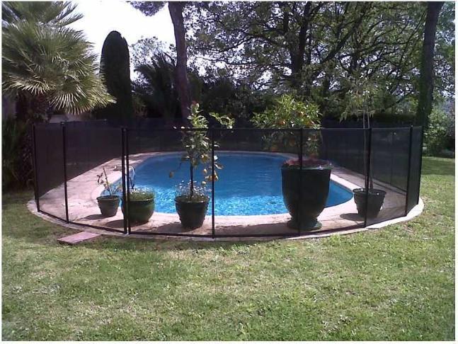 Cl ture piscine filet beethoven noir poteaux noirs distripool - Barriere escalier sans percer ...