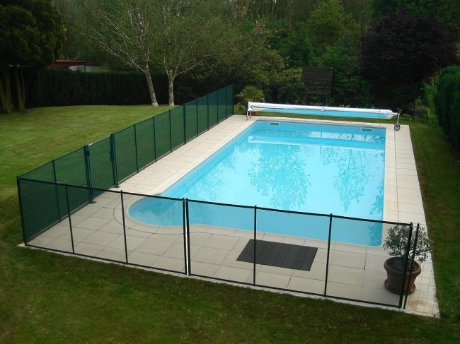 Cloture s curit beethoven prestige chocolat distripool for Cloture pour piscine gonflable
