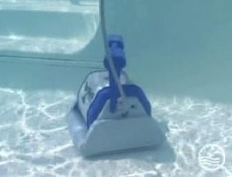Robot piscine robot piscine hayward tiger shark with for Robot piscine tiger shark moins cher