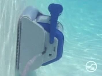 robot piscine tiger shark hayward distripool. Black Bedroom Furniture Sets. Home Design Ideas