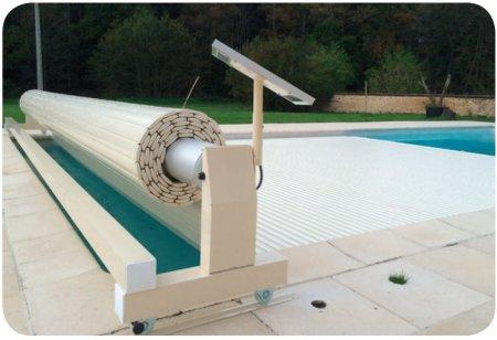 Volet automatique piscine mouv and roll for Fabriquer un enrouleur piscine